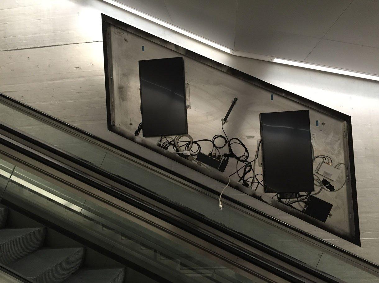 Referenzbild APG, ePanels «Escalator», Bahnhof Zürich
