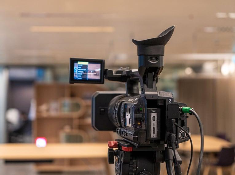 Livestreaming-Event Kamera von hinten