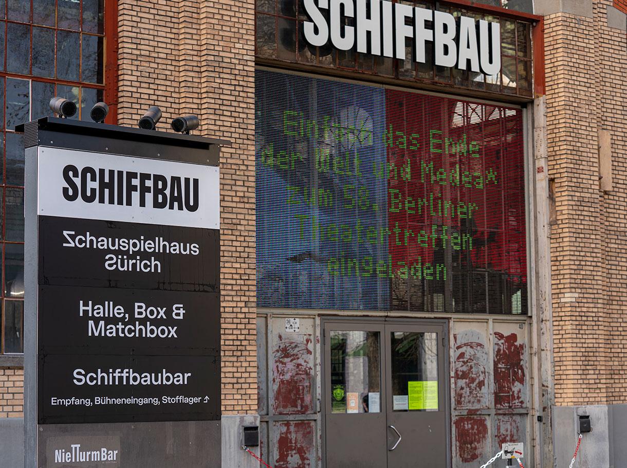 Outdoor LED Veranstaltungsanzeige - Schauspielhaus Zürich Schiffbau