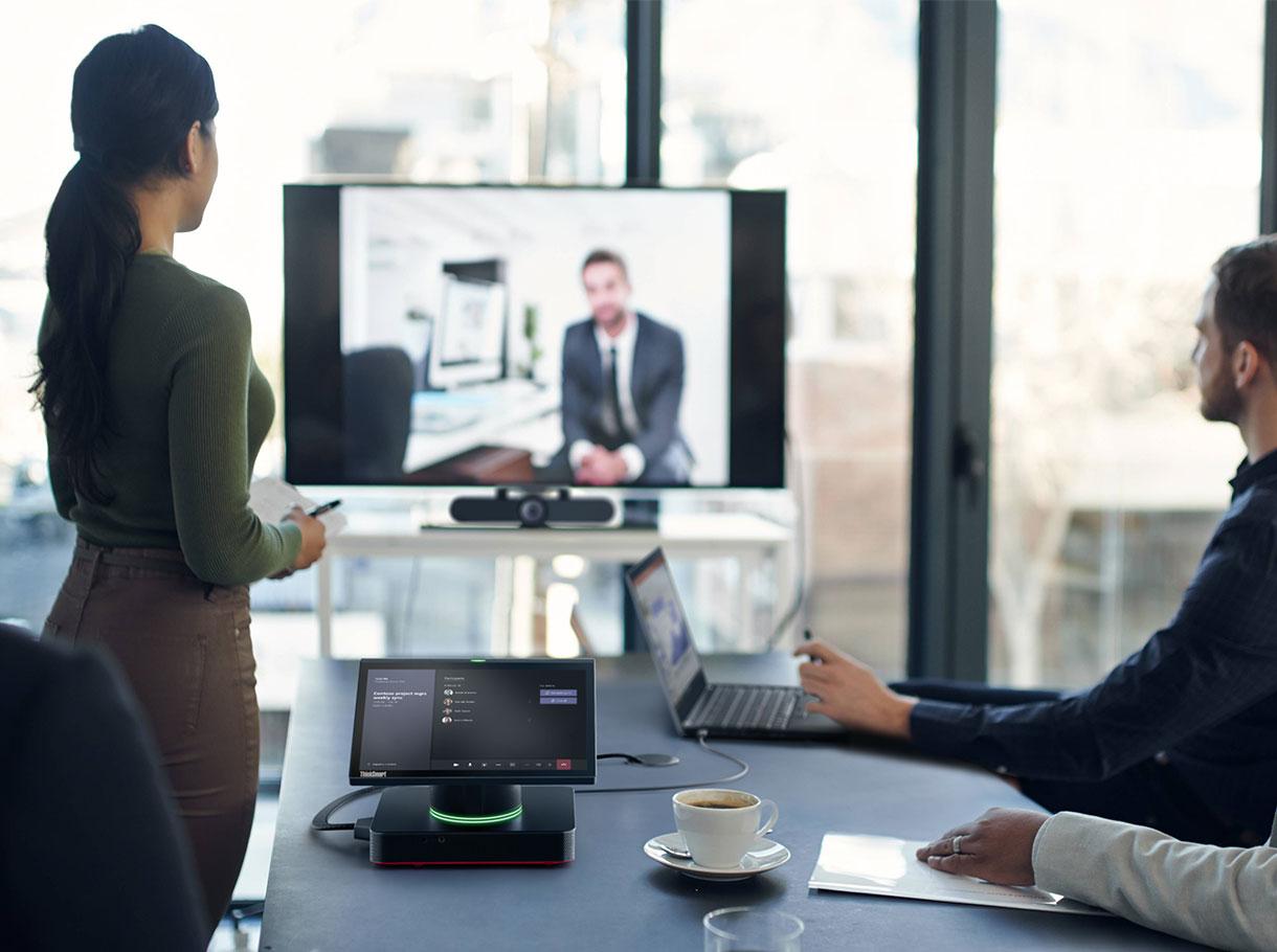 Lenovo ThinkSmart Hub - das All-in-One Raumsystem